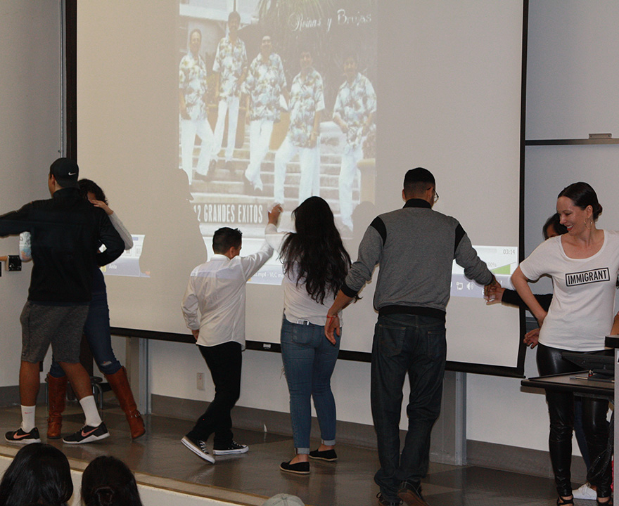 Chicano/Latino studies students celebrate their families on the final day of class