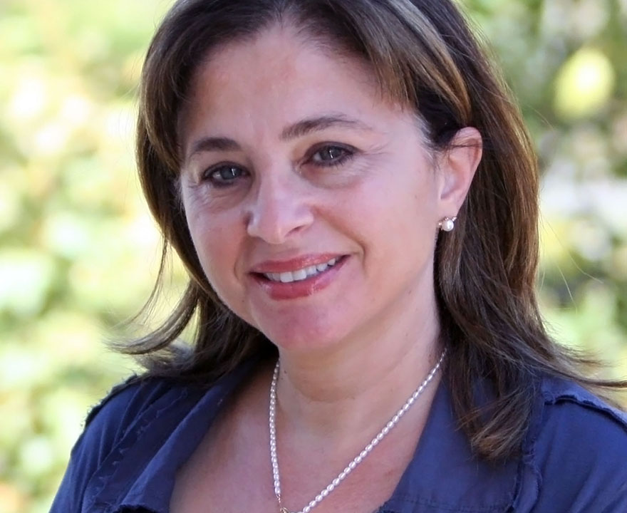 Alumna and former UCI lecturer Lina Kreidie chosen as Fulbright Scholar