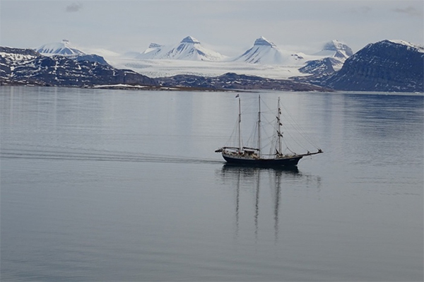 boat in the artic